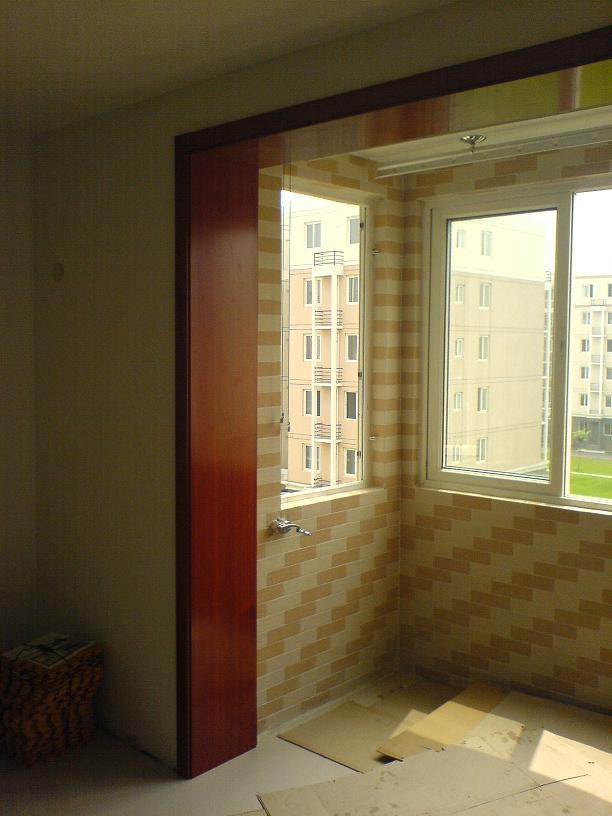 客厅和阳台之间的垭口