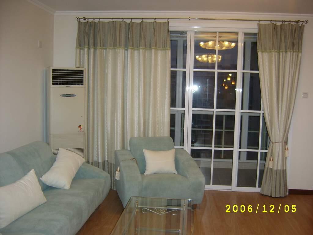 客厅窗帘及推拉门